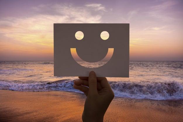 شاد بودن و خوشحالی