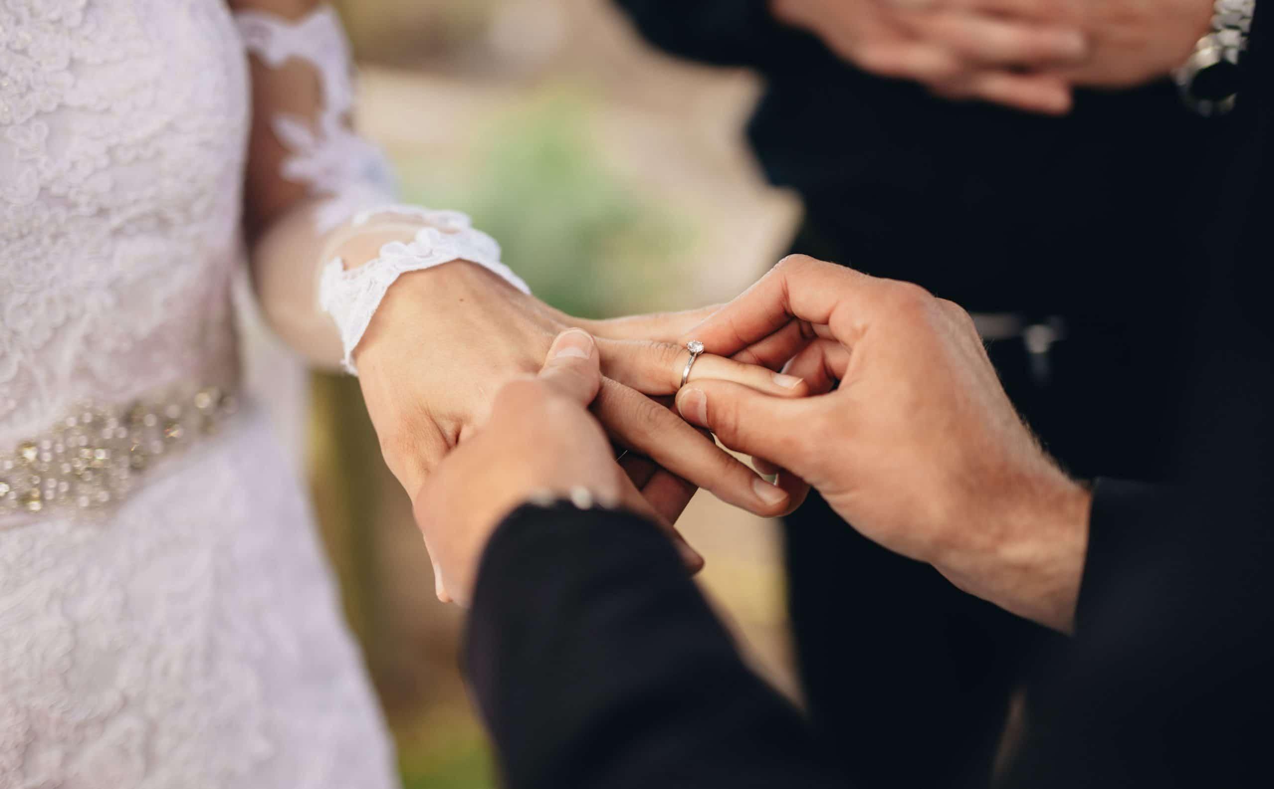 ازدواج اجبار است یا یک پروژه مشترک؟