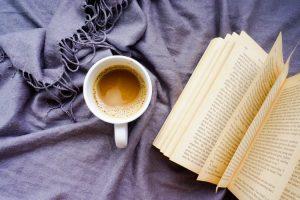 مطالعه روزانه عادت افراد موفق و ثروتمند